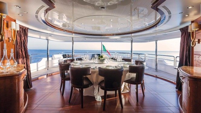 Superyacht CHECKMATE - Formal dining within the open plan skylounge