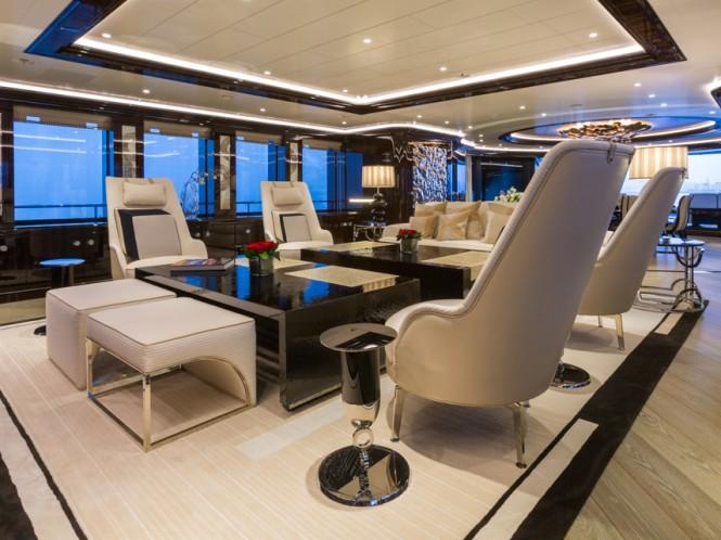 Superyacht OKTO - Main salon