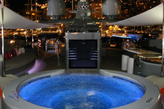 Superyacht SEA FORCE ONE - Nighttime Jacuzzi. Photo credit Luca Dini Design