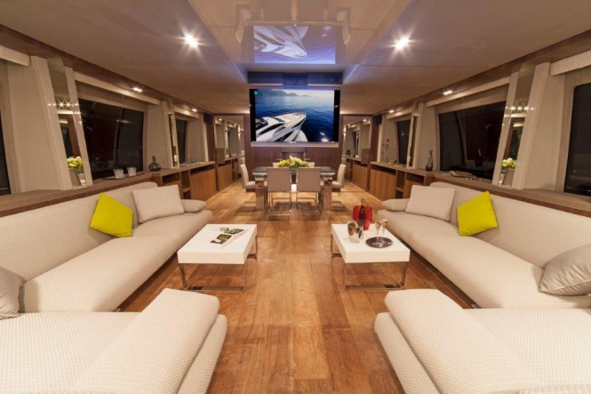 Amer Cento Quad motor yacht - Salon and formal dining area