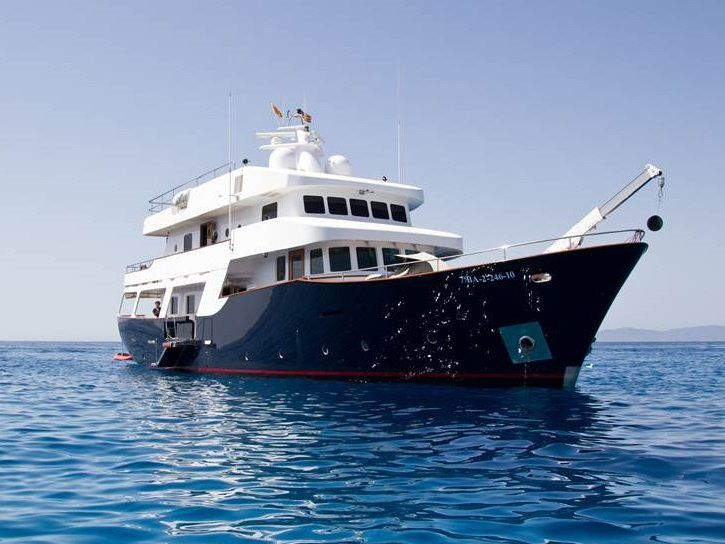 Classic superyacht SEMAYA - Built by Navetta