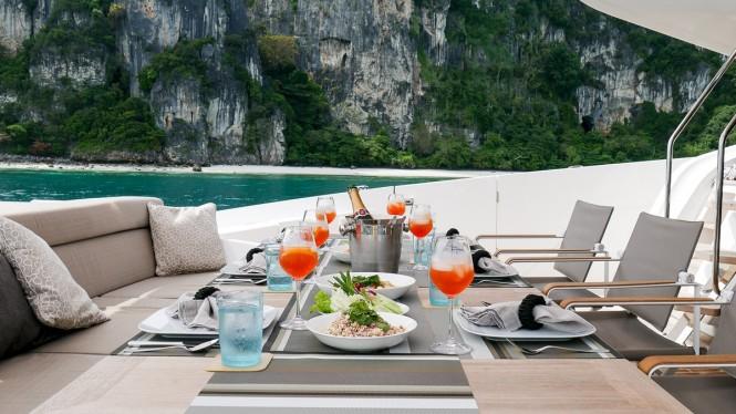 Luxury yacht DOLCE VITA - Alfresco dining on the main deck aft