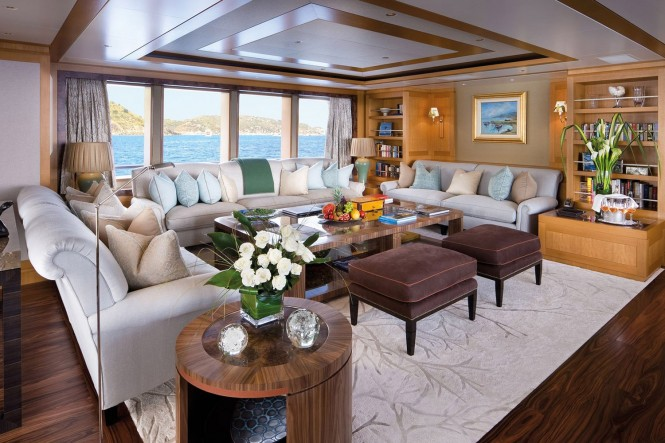 Luxury yacht LADY BRITT - Main salon