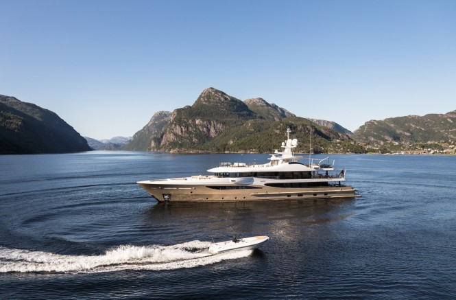 Luxury yacht LILI - Built by Amels