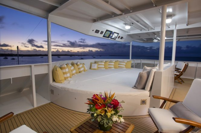 Luxury yacht MARCATO - Alfresco dining and sunpads