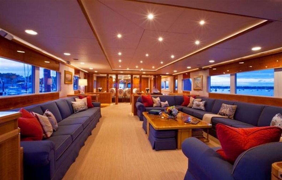 Luxury yacht RENA - Main salon