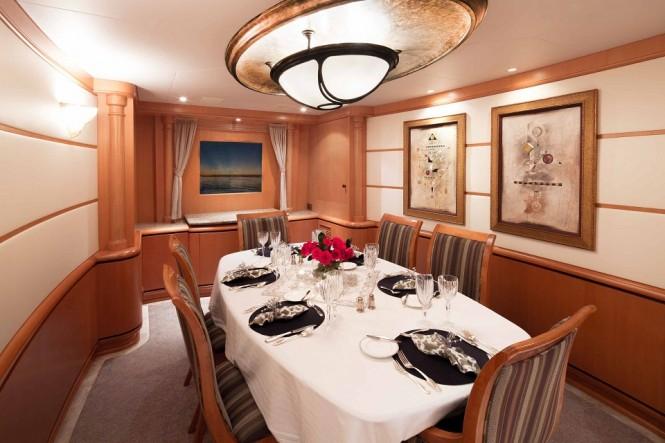 Luxury yacht SAVANNAH - Formal dining room
