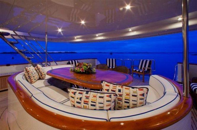 M/Y RENA - Aft deck alfresco dining