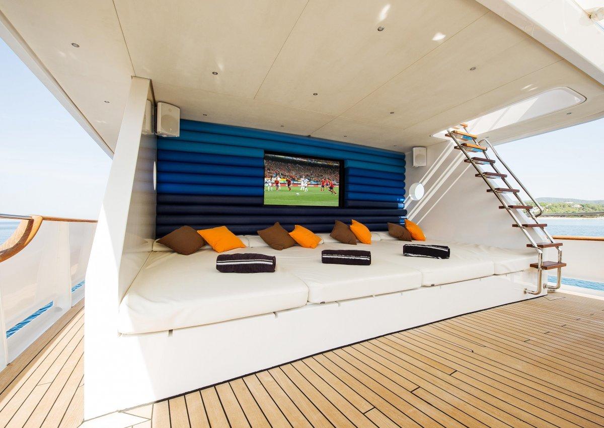 M/Y SEMAYA - Upper deck seating