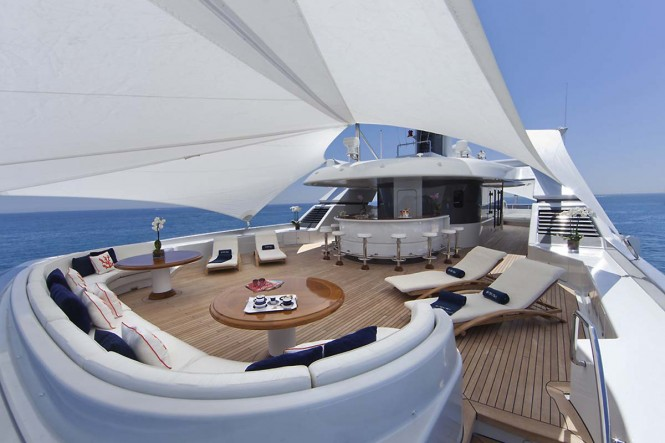 Motor yacht SARAH - Sundeck aft