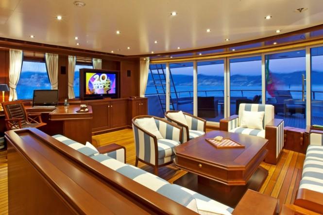 Superyacht AXANTHA II - Skylounge
