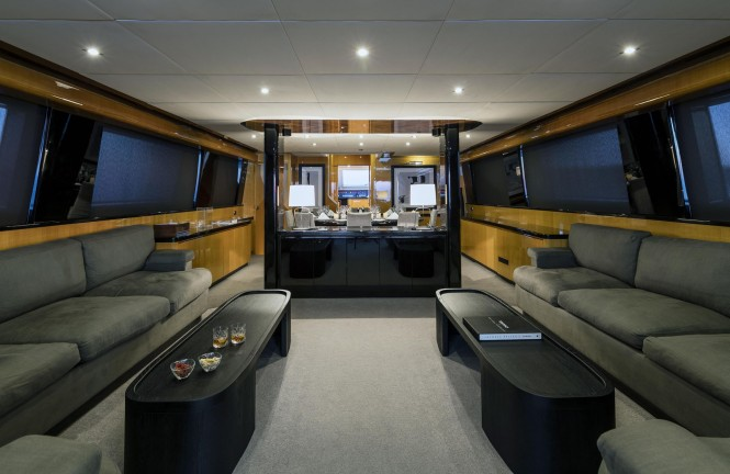 Superyacht CAN'T REMEMBER - Salon and formal dining area
