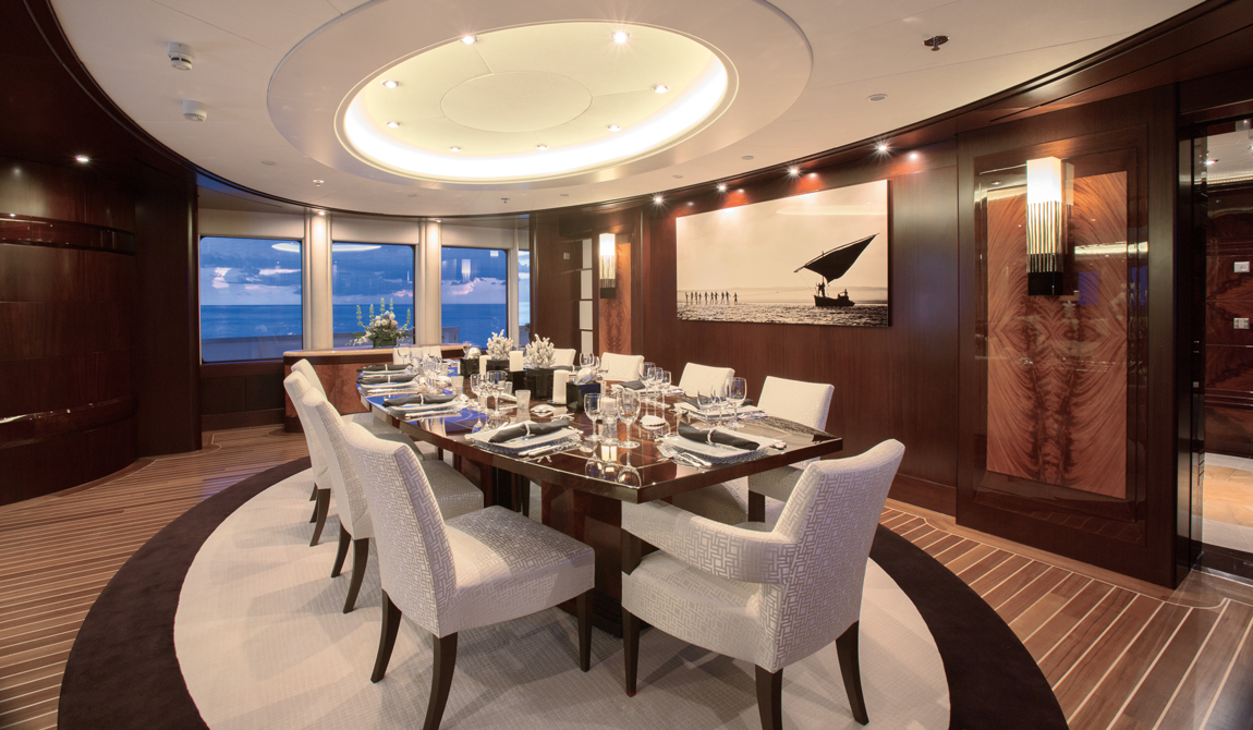 Superyacht DREAM - Formal dining area