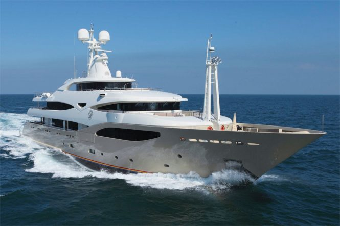Superyacht LIGHT HOLIC - Exceptional performance and opulent contemporary interiors