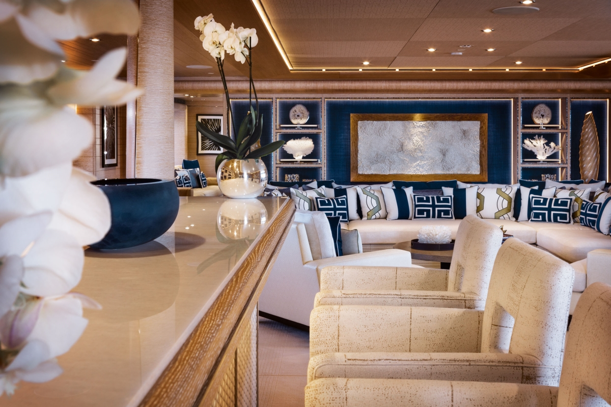 Bar detailing in the main salon aboard superyacht CLOUD 9