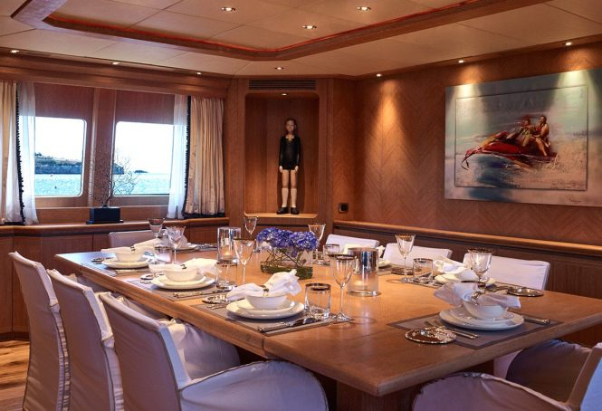 Formal dining room - Superyacht DALOLI