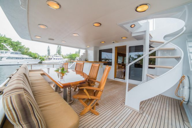 Luxury yacht LADY LEX - Main deck aft alfresco dining area