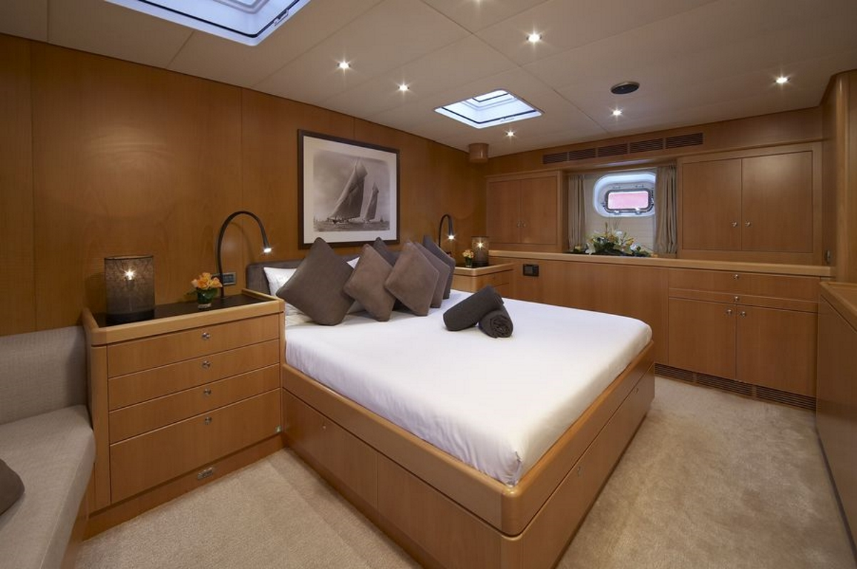 Luxury yacht NEPHELE - Master suite