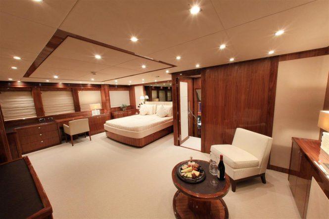 Master suite aboard superyacht BARRACUDA RED SEA