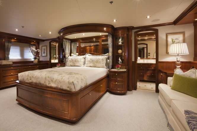 Motor yacht PENNY MAE - Master suite
