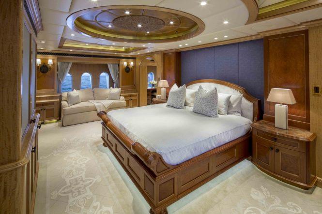 Motor yacht UNBRIDLED - Master suite