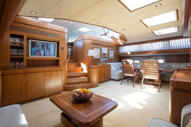 Sailing yacht INFATUATION - Main salon and formal dining area