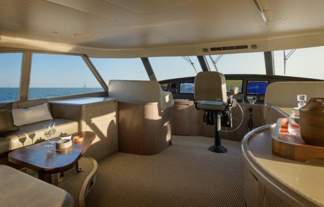 Skylounge aboard M/Y ATA RANGI
