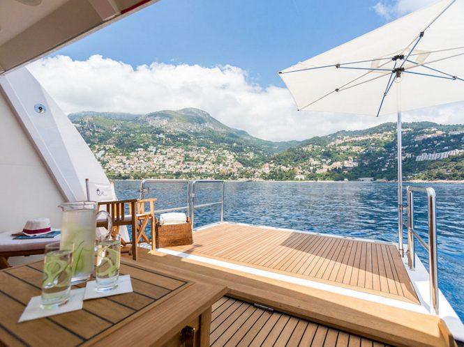 Superyacht AIR - View from the beach club