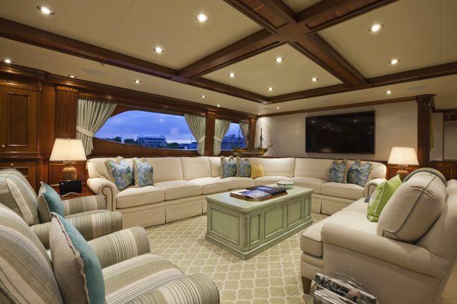 Superyacht PENNY MAE - Skylounge