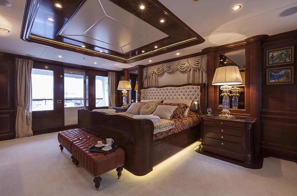 Superyacht PRIDE - Master suite