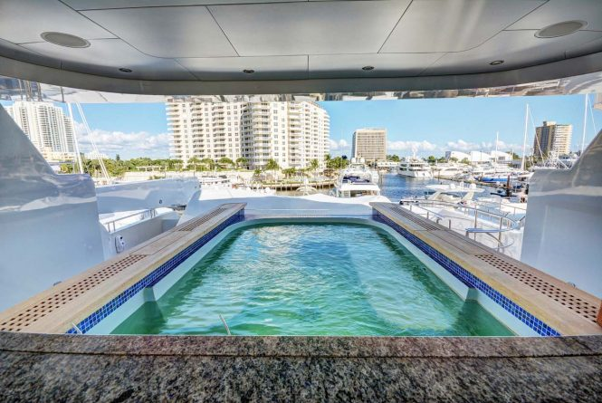 The sundeck spa pool aboard luxury yacht SOVEREIGN