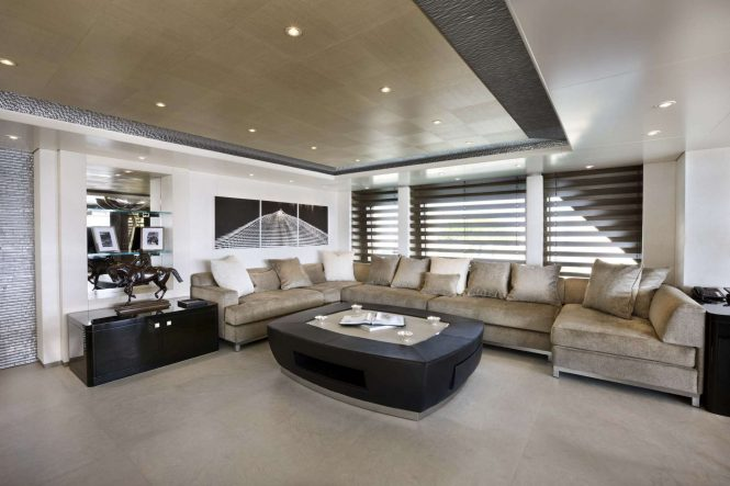 Luxury yacht HURRICANE RUN - Skylounge seating. Photo credit: Feadship