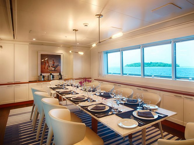 Luxury yacht SENSES - Formal dining room