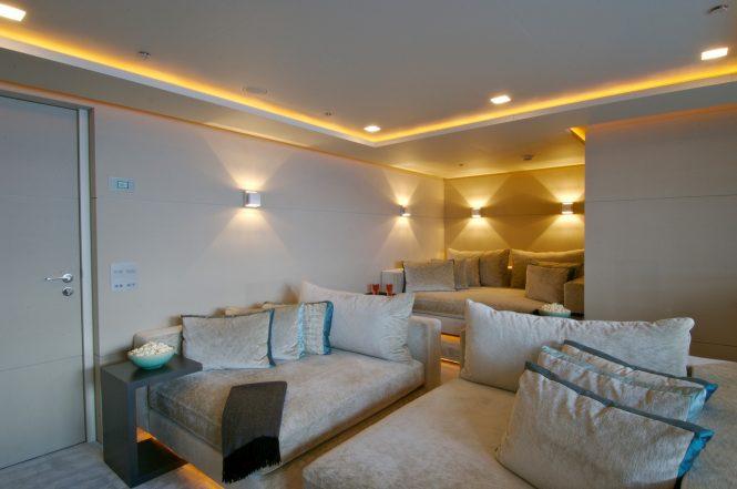 Luxury yacht SIREN - Cinema