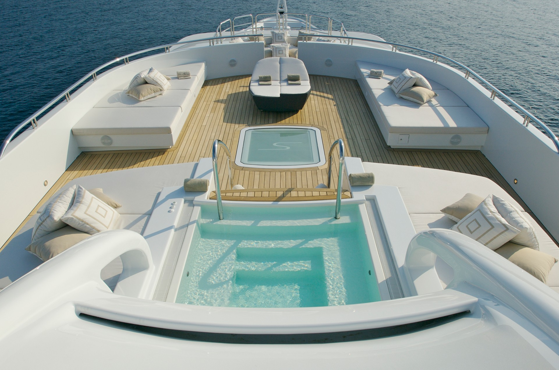 Motor yacht SIREN - Sundeck aft with Jacuzzi. Photo credit Nobiskrug