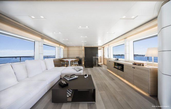 Skylounge aboard motor yacht NARVALO