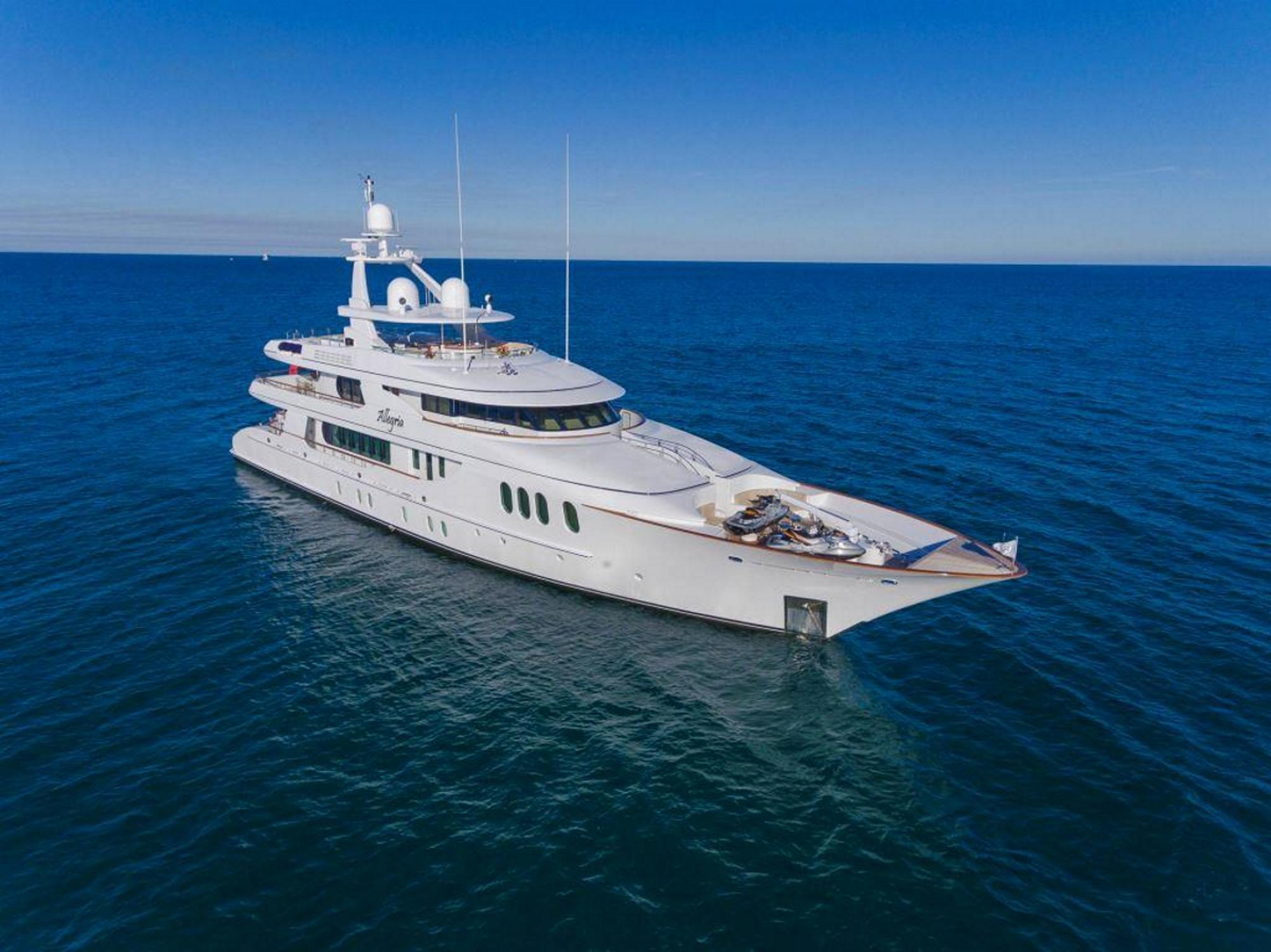 Superyacht ALLEGRIA - Built by Hakvoort
