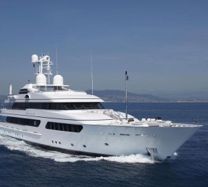 Special offer: Charter award-winning M/Y Hurricane Run in the Caribbean at special New Year rates