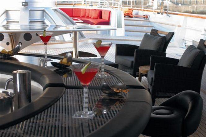 Superyacht MALTESE FALCON - Cockpit bar and lounge