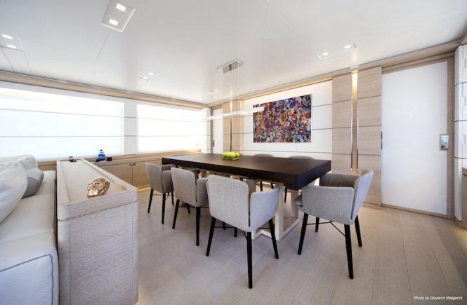 Superyacht NARVALO - Formal dining area