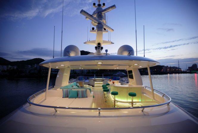 Superyacht OCEAN'S SEVEN - Sundeck