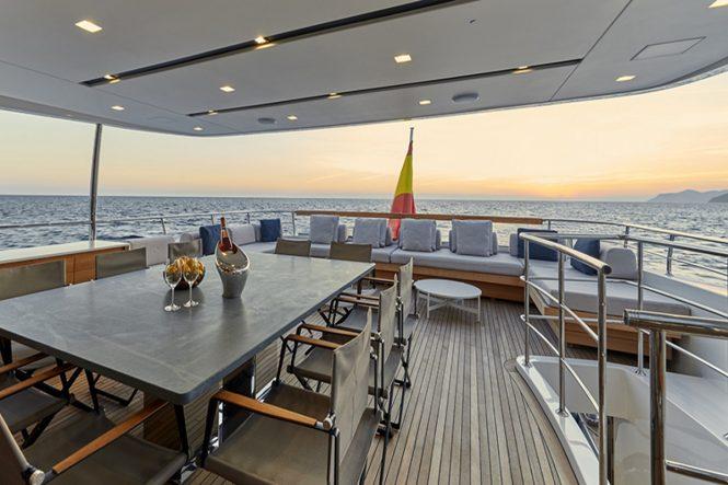 Superyacht TAKARA - Alfresco dining on the upper deck