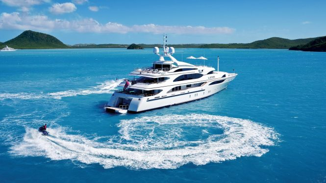 Yacht Altitude tenders out in the Caribbean