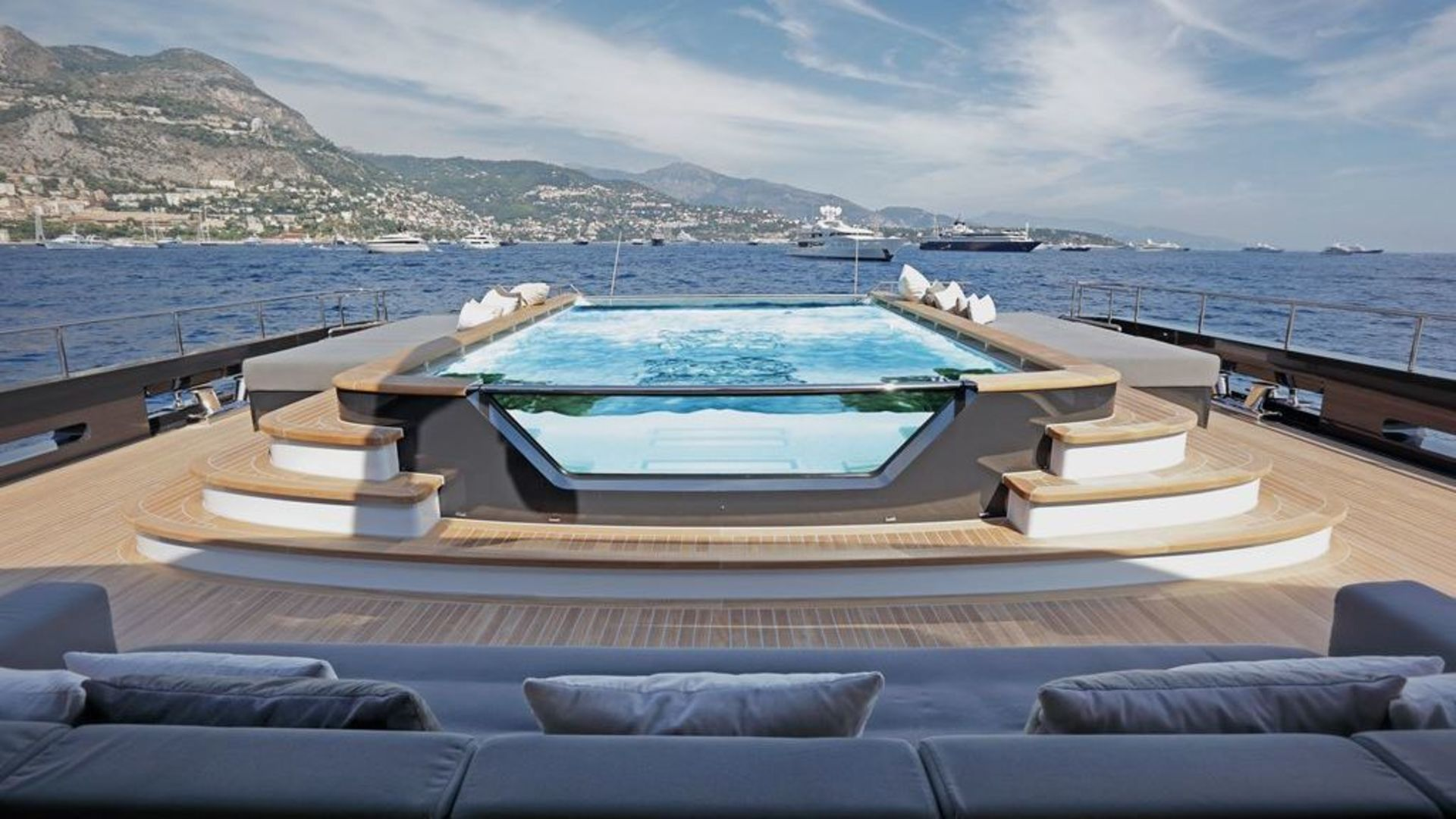 20 Top Charter Yachts With Swimming Pools Yacht Charter
