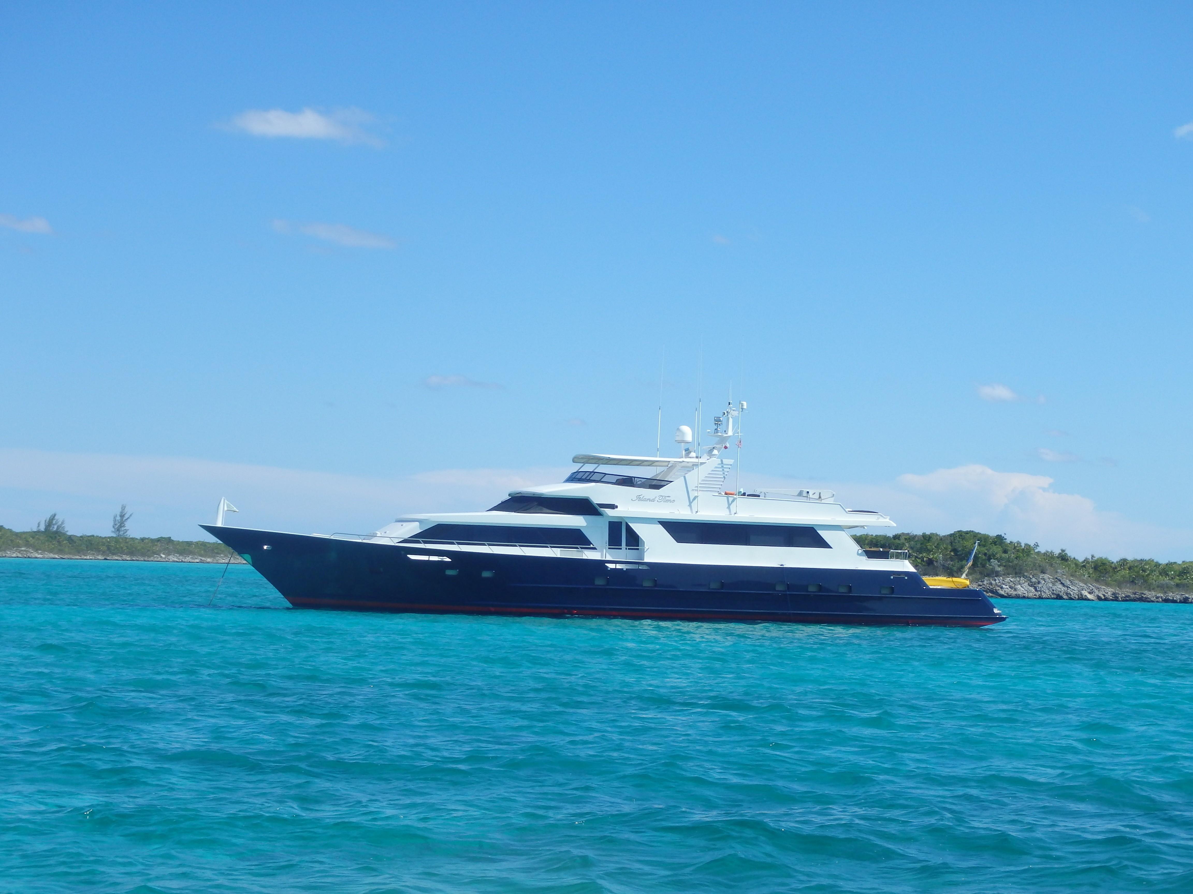 Superyacht Island Time