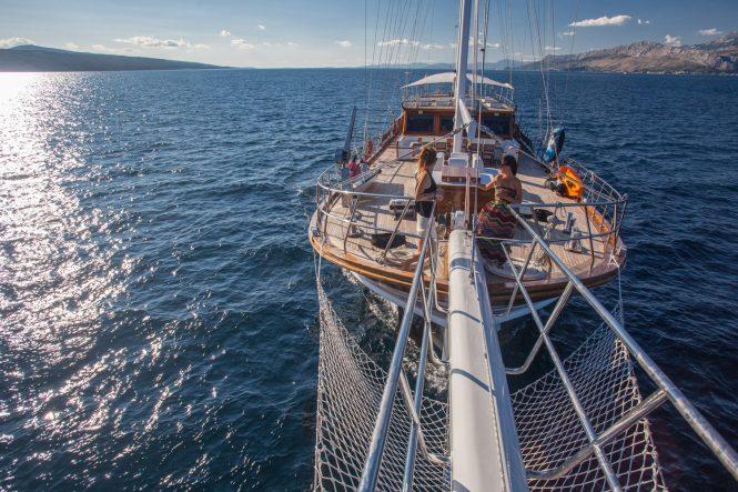 Cruising aboard Stella Maris