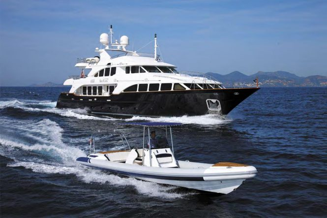 Benetti yacht SEABLUE'Z - Running