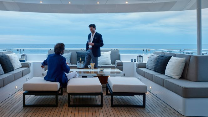 Pre-dinner drinks in style aboard ASYA