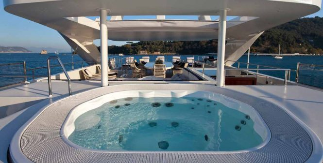 REVE D'OR - Sundeck Spa Pool
