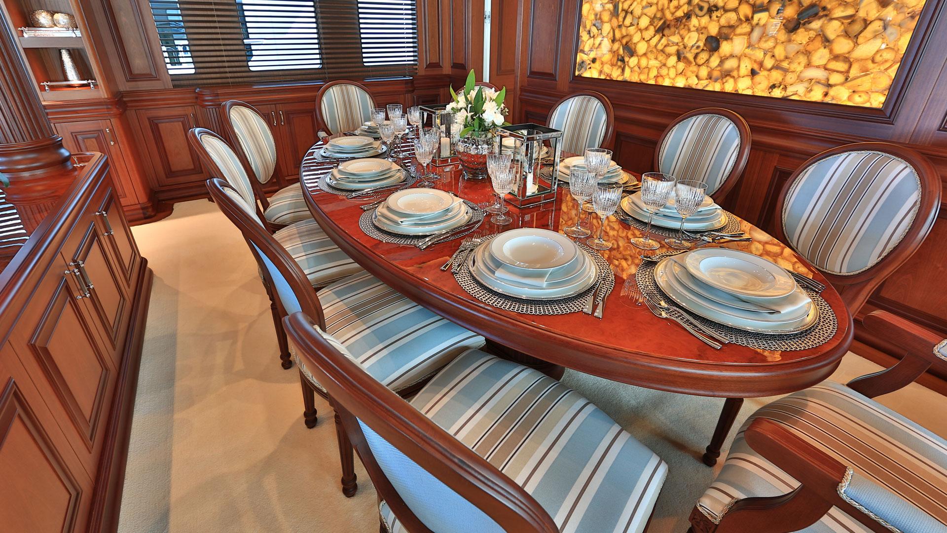 elegant dining aboard superyacht CLARITY